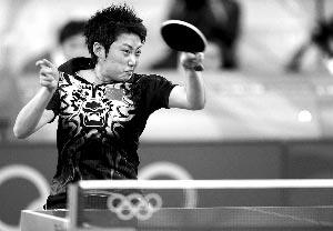 要夺冠,郭跃不仅要战胜对手,还要战胜自己的球拍。
