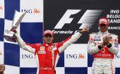 图文:F1比利时站正赛 马萨庆祝获得亚军