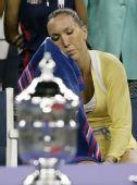 图文:美网小威夺冠 冠军就在眼前却无能为力
