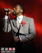 现场:嘻哈巨星Kanye West深情献唱