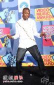 后台:说唱歌手Lupe Fiasco搞笑pose