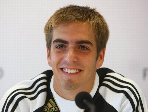 图文:德国国家队召开发布会 拉姆在微笑中