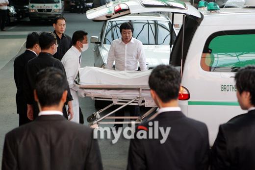 安在焕遗体被送去尸检