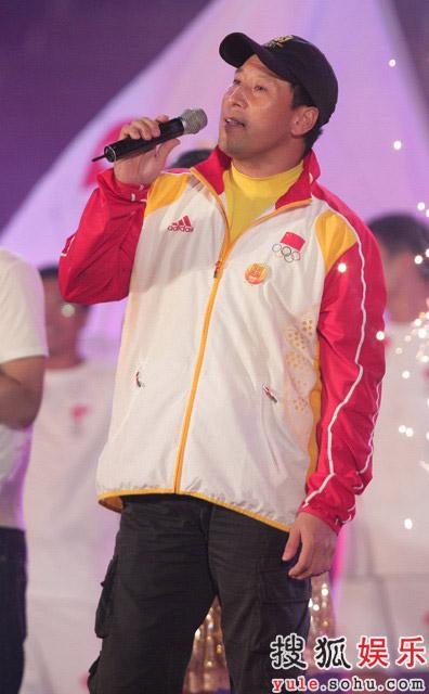 图:第17届百花电影节 中国羽毛球队教练李永波