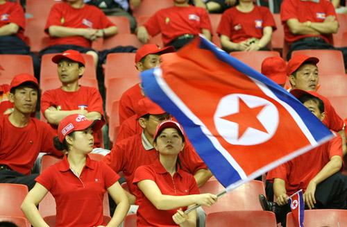 朝鲜美女啦啦队现身上海