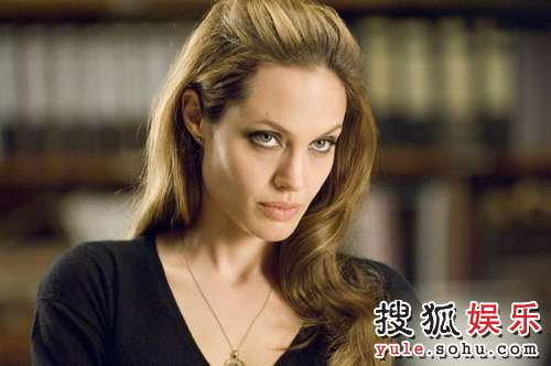 图:朱莉主演大片《通缉令》精美剧照- 32