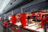 图文:F1意大利站第二次练习 法拉利维修区