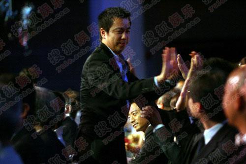 王中磊代冯小刚接受最佳导演奖