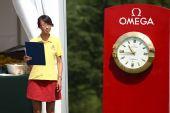 图文:青岛高尔夫公开赛决赛 漂亮的志愿者