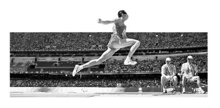 三级跳沙坑_9月12日,中国选手李端在男子三级跳远f11级决赛中,以13米71的成绩