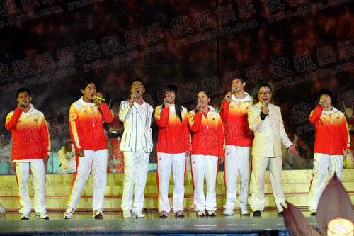 图:央视08秋晚精彩现场 奥运冠军尹相杰屠洪纲