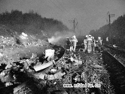 西伯利亚/俄罗斯一架客机失事,撞瘫跨西伯利亚铁路。CFP图片