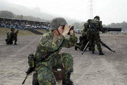 台军士兵训练