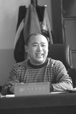 神八航天员_翟志刚交谊舞跳得不错 总说和赵本山是老乡(图)-搜狐新闻