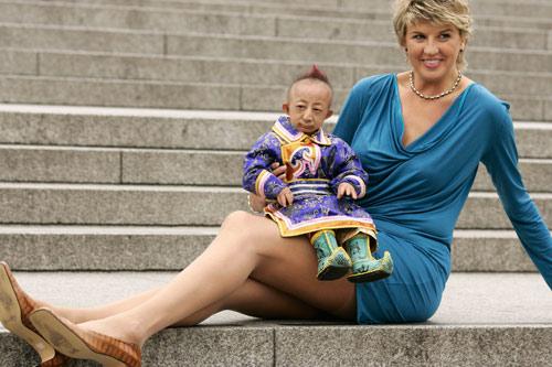09年版吉尼斯世界纪录新书发布式上,拥有世界上最长美腿的斯维特