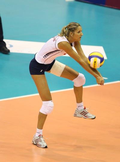 图文:俄罗斯女排3 0法国