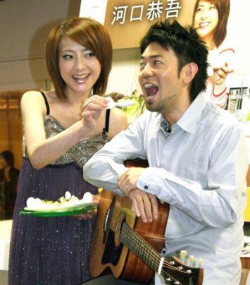 西川史子亲手喂食