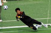 图文:[五人制足球]中国获得牌 夏征扑救险球