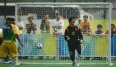 图文:[五人制足球]中国获银牌 夏征遗憾失球