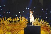图文:北京残奥会闭幕式 手语小女孩