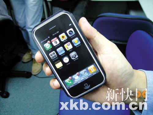 ■在年轻人的心中,iPhone已经不只是一款手机,更是一种潮流的标志。