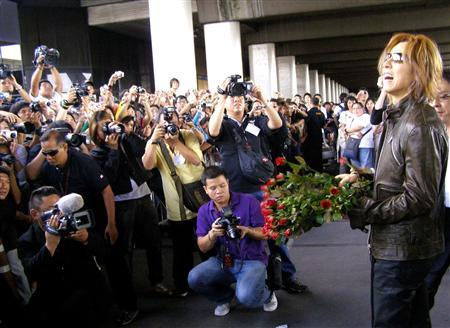在泰国受到国宾级待遇的YOSHIKI