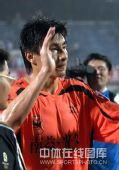 图文:[中超]武汉0-1陕西 李玮峰回应球迷
