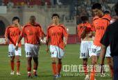图文:[中超]武汉0-1陕西 李玮峰昂首离场