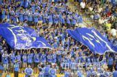 图文:[中超]广州1-0深圳 广州球迷引爆看台
