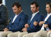 图文:美国队捧莱德杯冠军 欧洲队队员表情沮丧