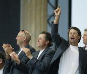 图文:美国队捧莱德杯冠军 阿辛格激情庆祝