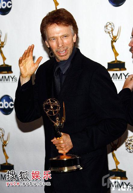 杰瑞·布鲁克海默(Jerry Bruckheimer)凭借《急速前进》获得最佳竞赛类真人秀