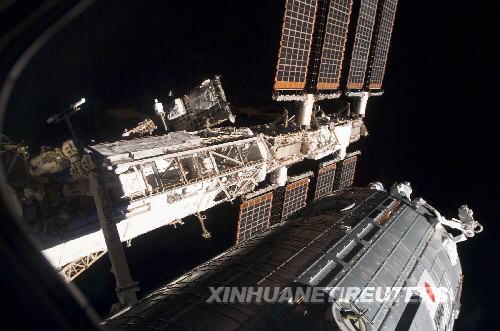 """这张美国宇航局6月7日公布的照片显示的是安装在国际空间站上的日本""""希望""""号实验舱"""