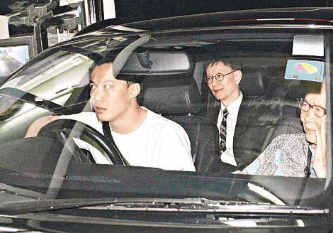 陈奕迅非常孝顺,为父亲的事情辛苦奔波