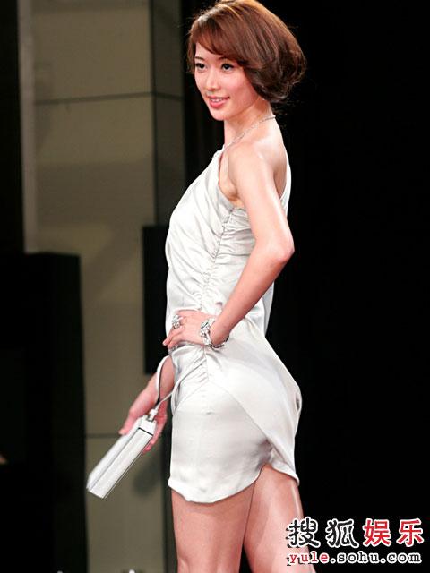 林志玲短裙洋装秀美腿