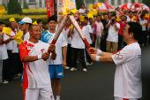 人物图片:李福成2008奥运火炬行(15)