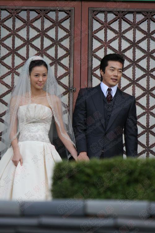 独家:搜狐韩国直击权相佑婚礼-  美娇娘十分害羞