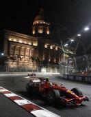 图文:F1新加坡站正赛 近看马萨比赛