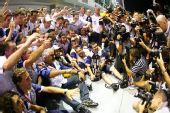 图文:F1新加坡站正赛 雷诺受媒体追捧