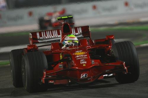 图文:F1新加坡站正赛 马萨赛车近照