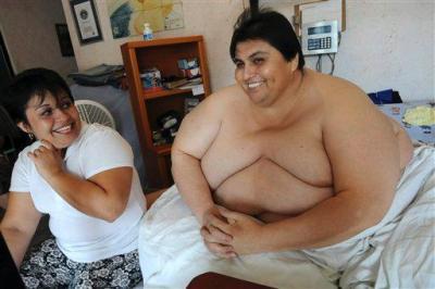 世界巨胖_全世界最胖男人月底结婚 体重曾达590公斤(图)-搜狐新闻