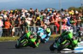 图文:MotoGP澳大利亚站正赛 维斯特率先过弯