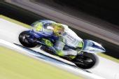 图文:MotoGP澳大利亚站正赛 罗西赛车飞驰幻影
