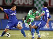 图文:[中超]北京1-1陕西 夹缝中找角度