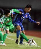图文:[中超]北京1-1陕西 王�S突破