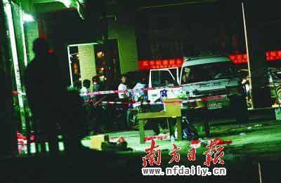 记者赶到时,只见一辆警车停在超市门口,案发现场已被封锁。本报记者杨曦摄