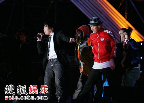 韩国顶尖dancer伴舞《未满十八岁》
