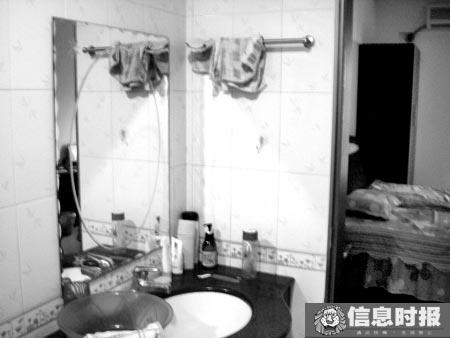 4位代孕者同住一个3房2厅的单元里,但单元里两个洗手间鲜见洗脸用毛巾及护肤品化妆品之类。专题摄影 时报记者