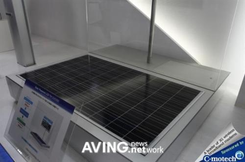夏普演示首款采用太阳能供电的52寸液晶电视