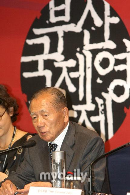 釜山电影节组委会金东浩委员长